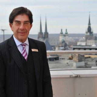 Dr. Bertram Thieme