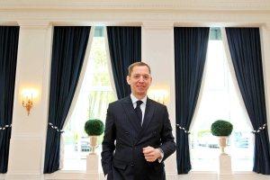 Direktor Karsten Kenneweg in den renovierten Räumlichkeiten des Dorint Park Hotel Bremen. Fotograf: Frank T. Koch