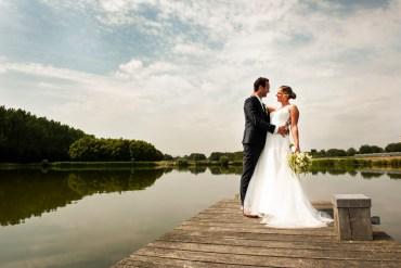 http://www.dorisfotografie.nl/bruiloft-trouwen-bruidsreportage-alphenaandenrijn-zuidholland/