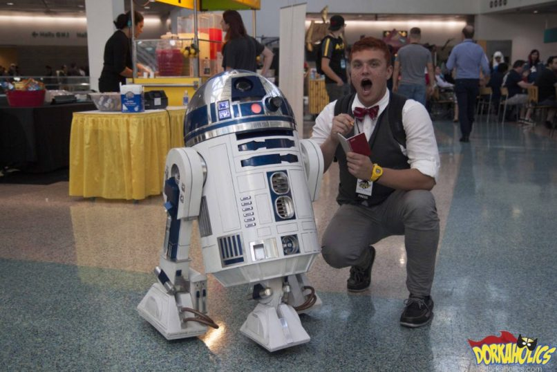 DORKAHOLICS' Jimmy Olsen tries to get a word from R2-D2. Photo by Neil Bui.