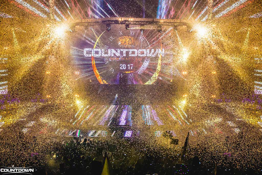 Janet's First Rave - Insomniac's Countdown New Year's Eve 2017.