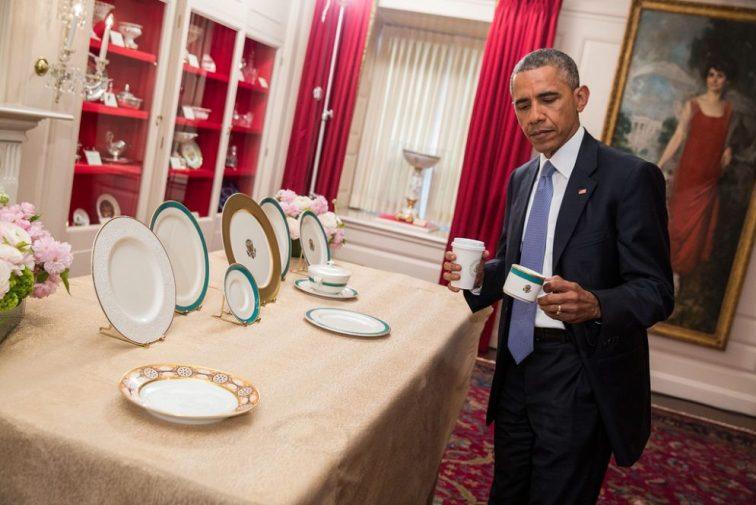 Barack Obama inspects new china 2015 (credit: Tim Evanston)