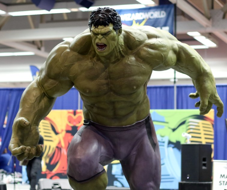Incredible Hulk Statue - Wizard World Sacramento 2017