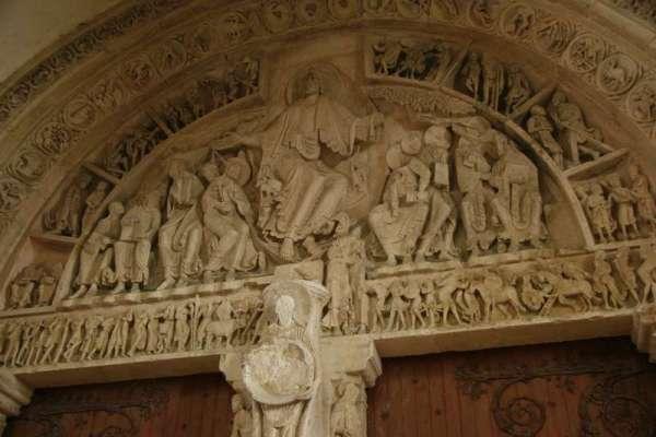 Vezelay-kerk-tympaan