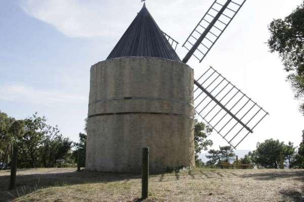cote-dazur-dorp-gassin-molen