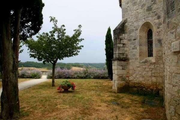 Pujols-le-Haut-Aquitani-C3-AB-Lot-kerk