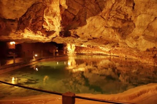 Klein ondergronds meertje in de Gouffre de Padirac