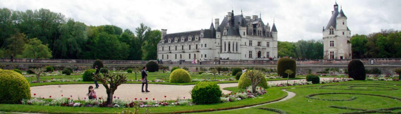 De tuin en het kasteel van Chenonceau in Frankrijk