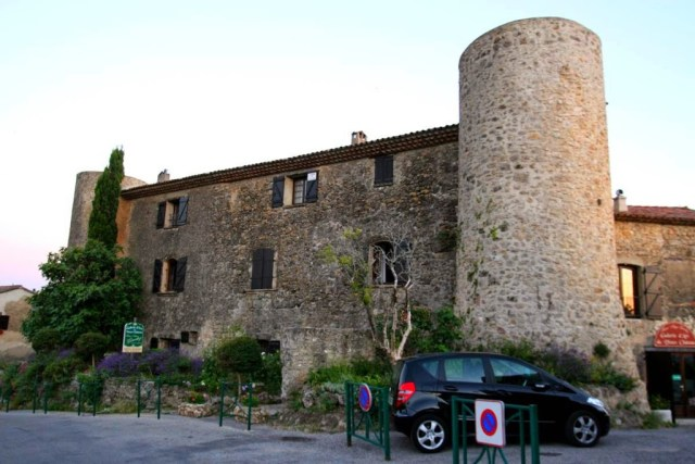 Kasteel in de het dorp Tourtour in de Provence