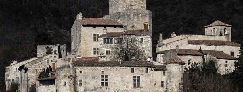 Le-Poët-Laval-dorp-drome-gerard-reve-plus-beaux-village-de-france-cc-Jacques-Caffin