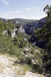 Uitzicht op de kloof van de Nesque in de Vaucluse Frankrijk
