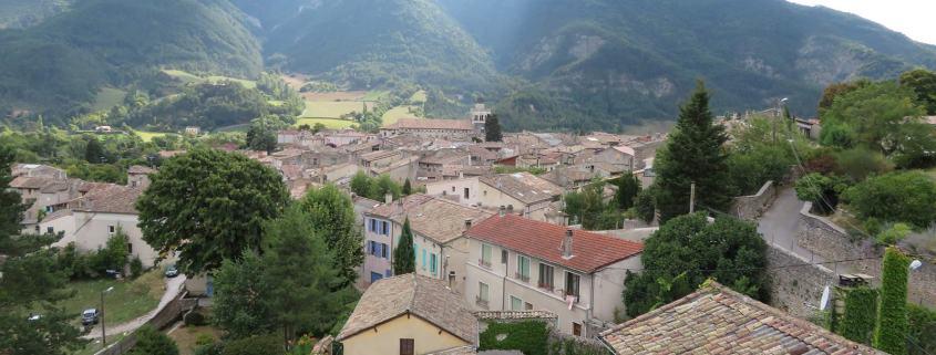 Het stadje in Die in de Drome in Frankrijk