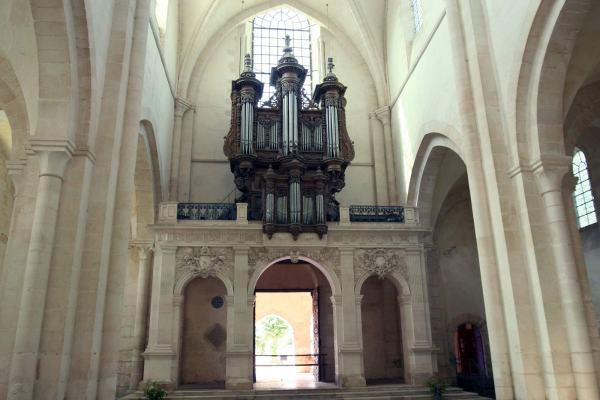 Het orgel van de kloosterkerk van Pontigny in Bourgondië Frankrijk