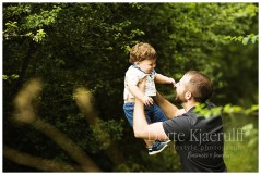 Location dad and baby photographer