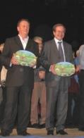 Sénateur de l'Eure (Haute-Normandie) Ladislas Poniatowski (måske) og Borgmesteren Louis Petiet fra Veneuil sur Avre