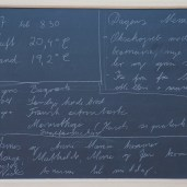 Tavlen med dagens Menu: Oksehøjreb med bearnaise, grøn salat og Is fra fru Mølles Mølleri til dessert
