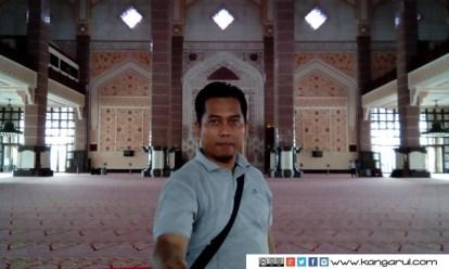 Selfie di dalam Masjid Putra