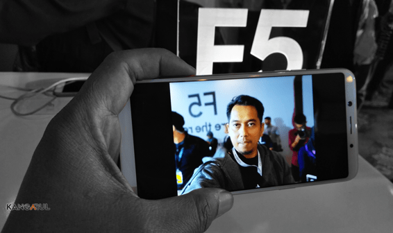 OPPO F5 Memang Pembuktian Selfie Expert and Leader