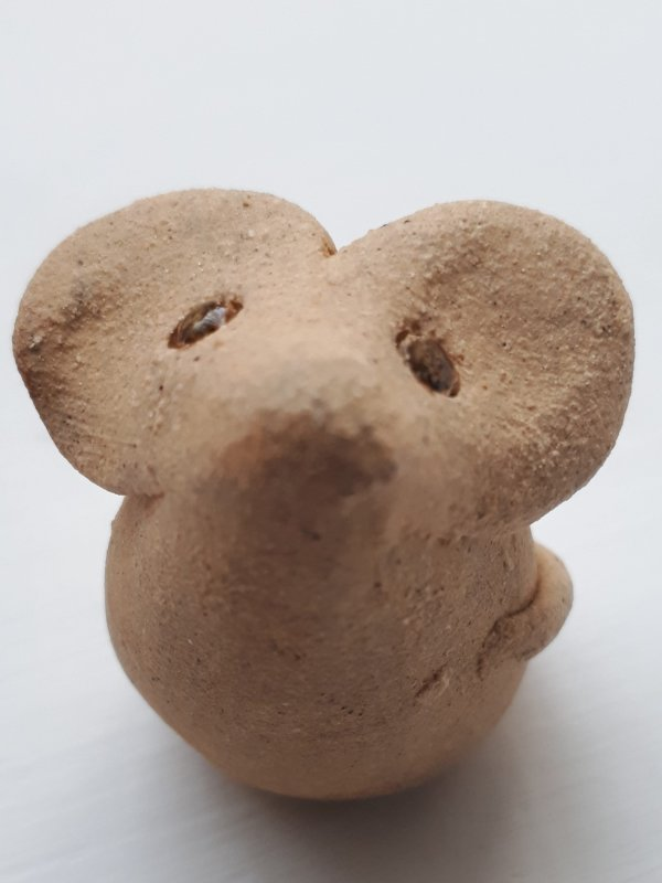 Pottery mouse