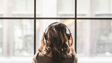Photo of 7 pesmi, ki ti bodo pomagale skozi razhod