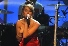 Photo of Miley Cyrus božični pesmi pridala feministično noto