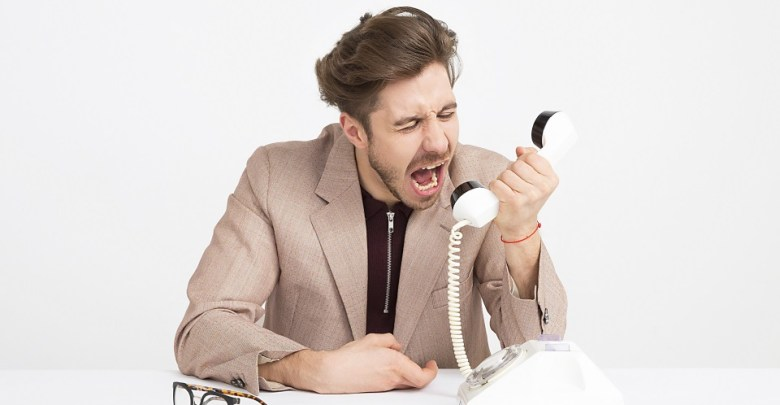 jezen pogovor po telefonu