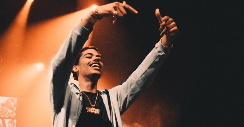 MC nastop na festivalu.