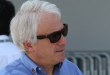 Photo of Umrl direktor dirk v formuli 1 Charlie Whiting