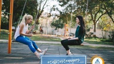 Photo of Pogovarjaj se z neznanci in deli z uporabo #talktostrangers