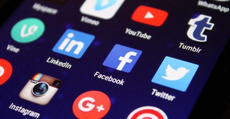 brez socialnih omrežij, facebook, osamljeni, mladi, raziskava, delodajalci, socialna omrežja, družabna omrežja