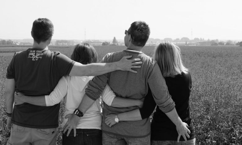 alternativna razmerja, vinganje, poliamorija, monogamija, Privilegij, Spekter, mladi,