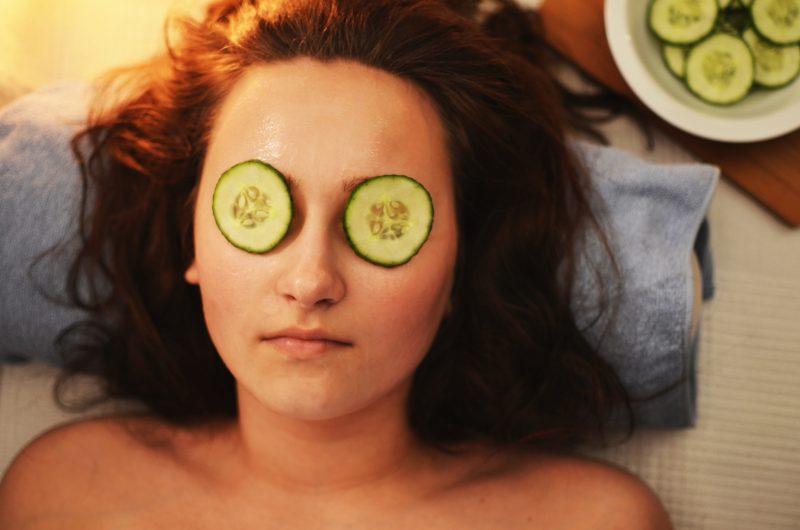 mladost, sperma, koža, obrazna maska, Chelsee Lewis, spermin, čiščenje obraza, skrb za kožo, kokosovo olje