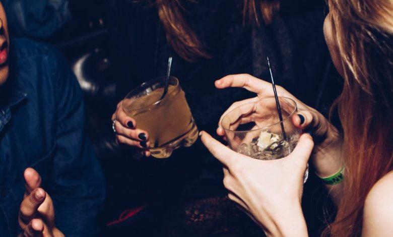 Nočni izhodi, zabava, alkohol, zaspanost, nočni prigrizek, power nap