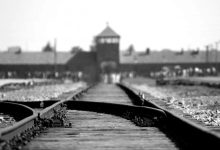 Photo of Obletnica osvoboditve taborišča Auschwitz opozarja: nikoli več!