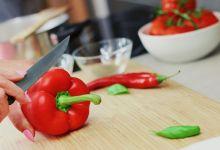 Photo of 5 napak, ki jih počneš v kuhinji in lahko škodujejo tvojemu zdravju