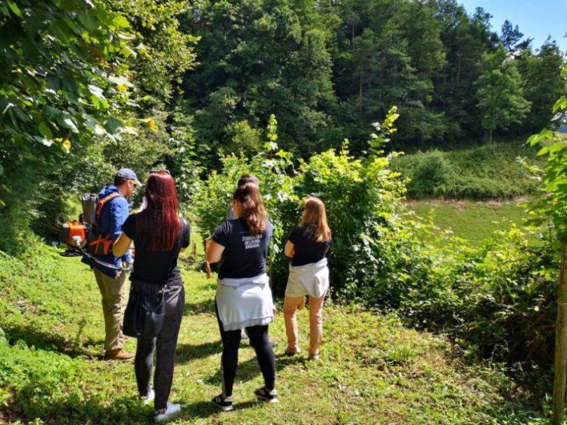 Mariborski študenti priskočili na pomoč - Šent Janžu pri Radljah 1