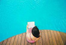 Photo of Poletno branje: Knjiga, za katero si želite, da bi jo prebrali vaši starši