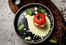 Photo of Mala kuhna: Polnjen paradižnik z ajdovo kašo in feta sirom