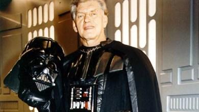 Photo of Umrl zloglasni Darth Vader iz Vojne zvezd. Naj bo Sila z njim!