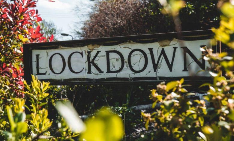 lockdown, Collinsov slovar. milijarde ljudi, beseda, izbor, javnih mest,