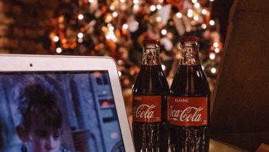 Photo of Preseneča razlog, zakaj tako radi gledamo slabe božične filme