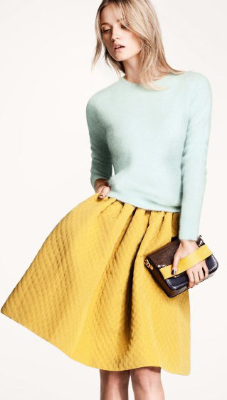 H & M flared yellow skirt and paste bluel top