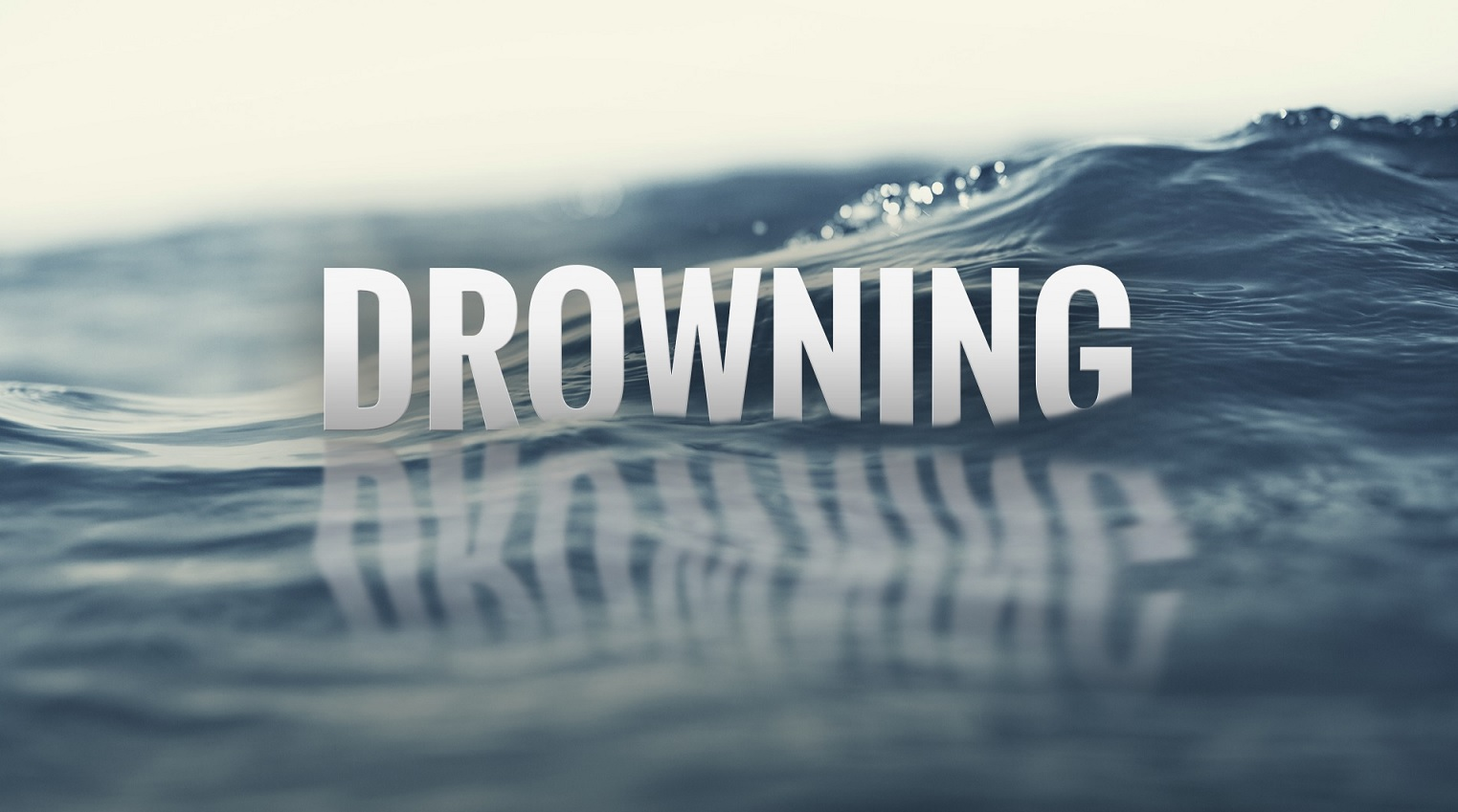 drowning_416988-842137442