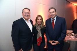 Manuel Iradi, gerente comercial de Mafre Asistencia; Lorena Sorondo, gerente comercial de Meridian; Roberto Kremer Gerente General Andina del Sud.