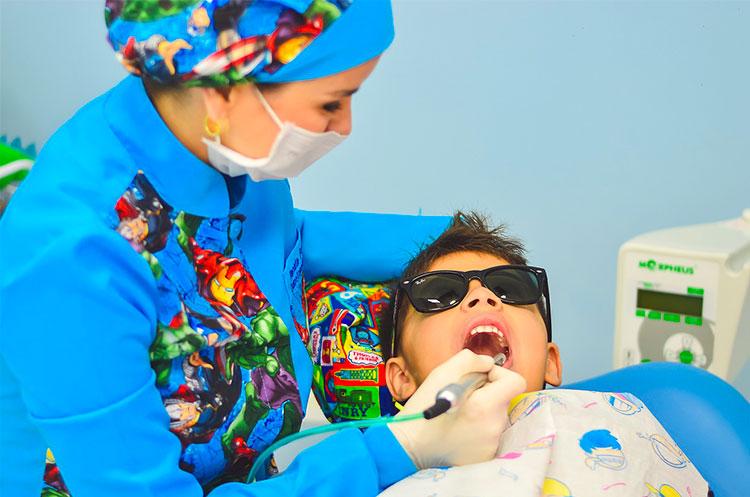 Dentista per bambini a Novara: i servizi di Dottor Sorridenti