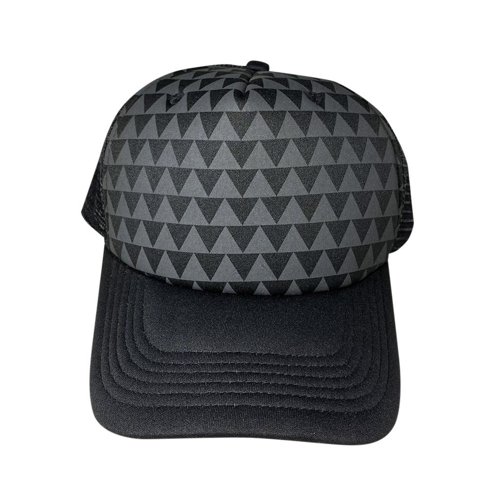 foam-trucker-black-gray-triangles