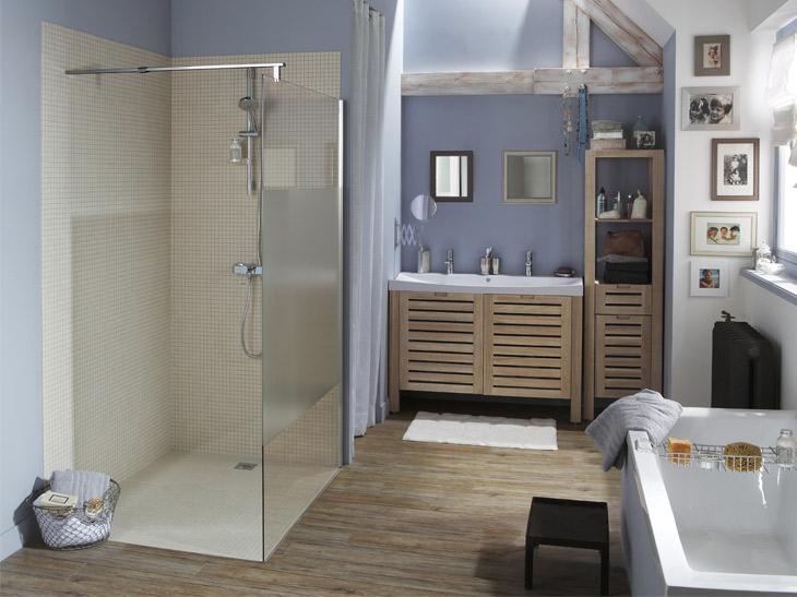 Voici comment remplacer votre baignoire pour une douche italienne