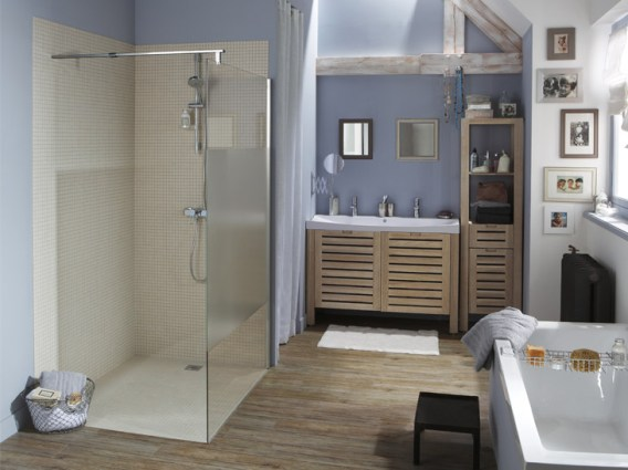 Voici comment remplacer votre baignoire pour une douche italienne - Remplacer baignoire par douche italienne ...