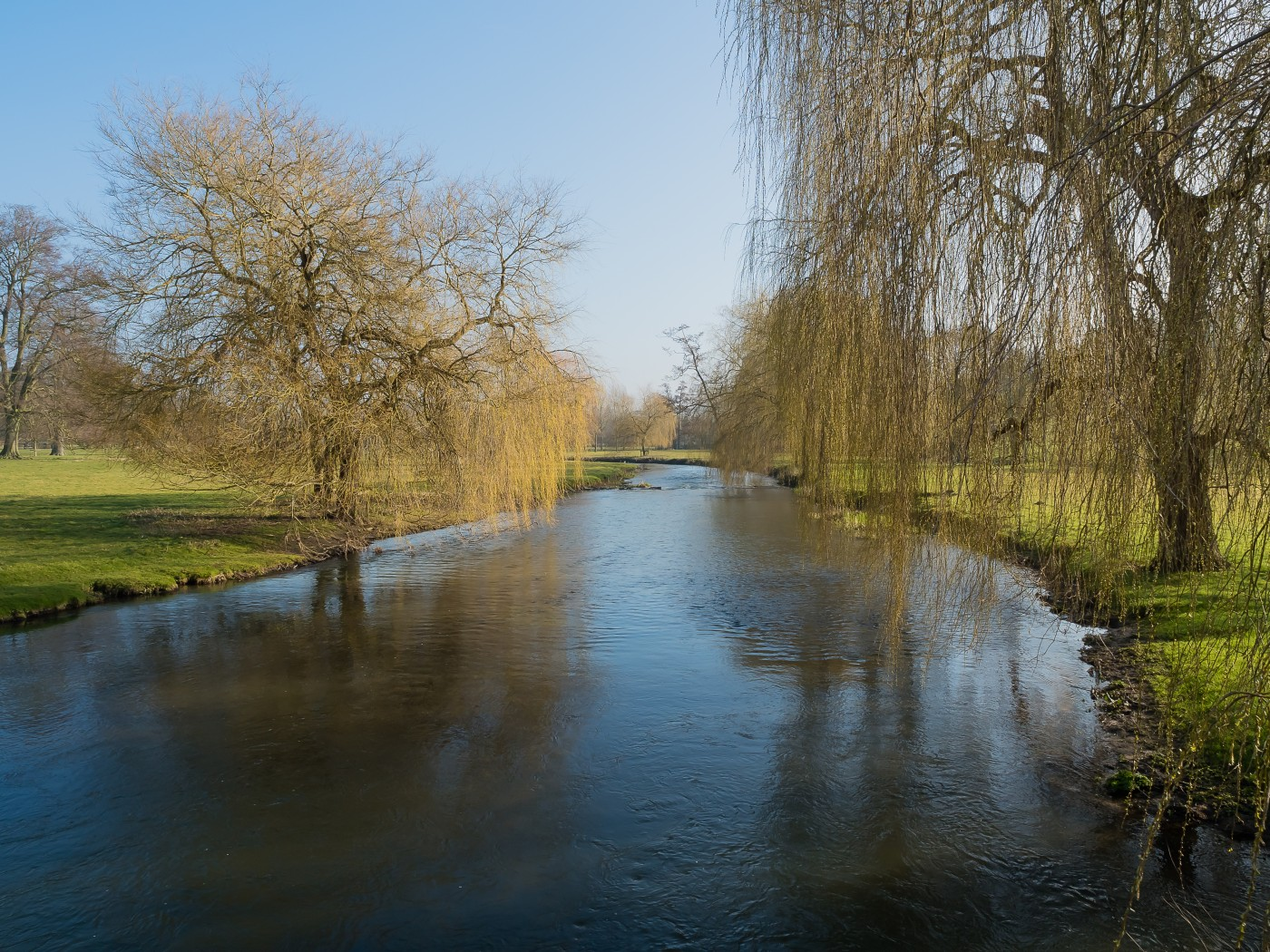 The Great Stour, Godalming: A Video Slideshow.