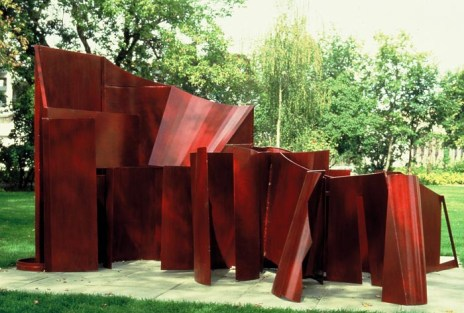 Cathedral Evening, 1981–87. Painted steel. 85 x 172 x 114 in.